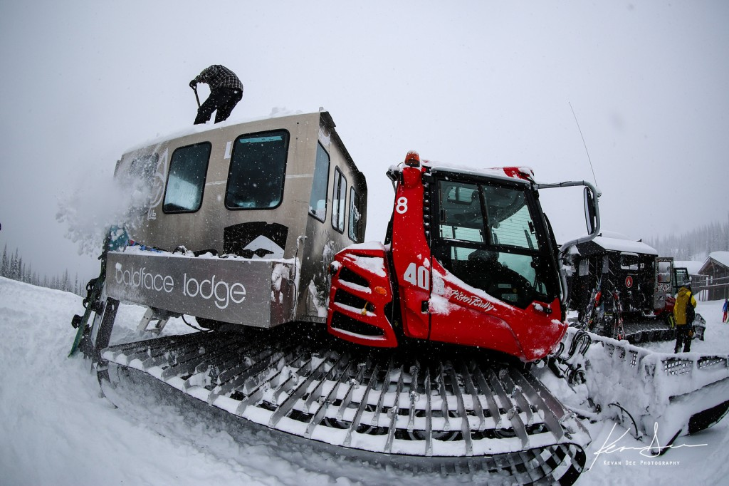 The Libtech Snowcat getting the fluff cleaned off her. Image taken by Kevan Dee