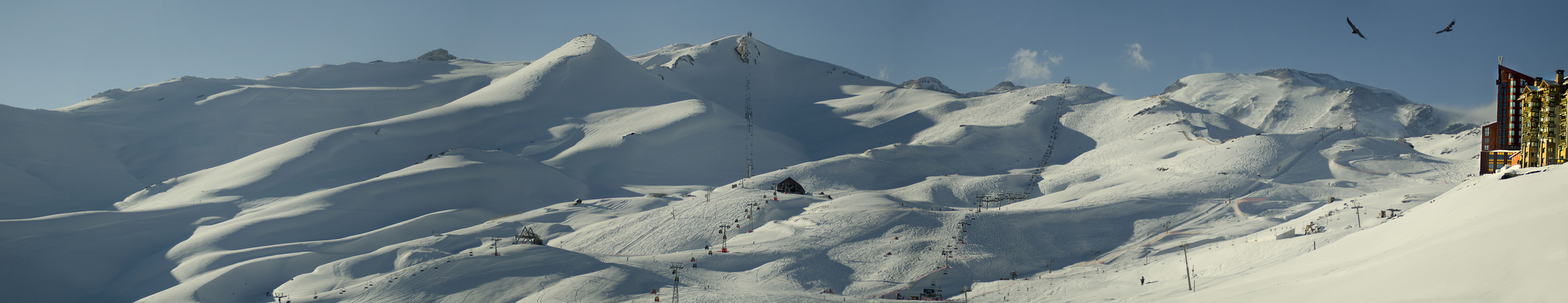 Valle Nevado Ski Resort in Chile - Image taken by Jose Hidalgo - Flickr.com