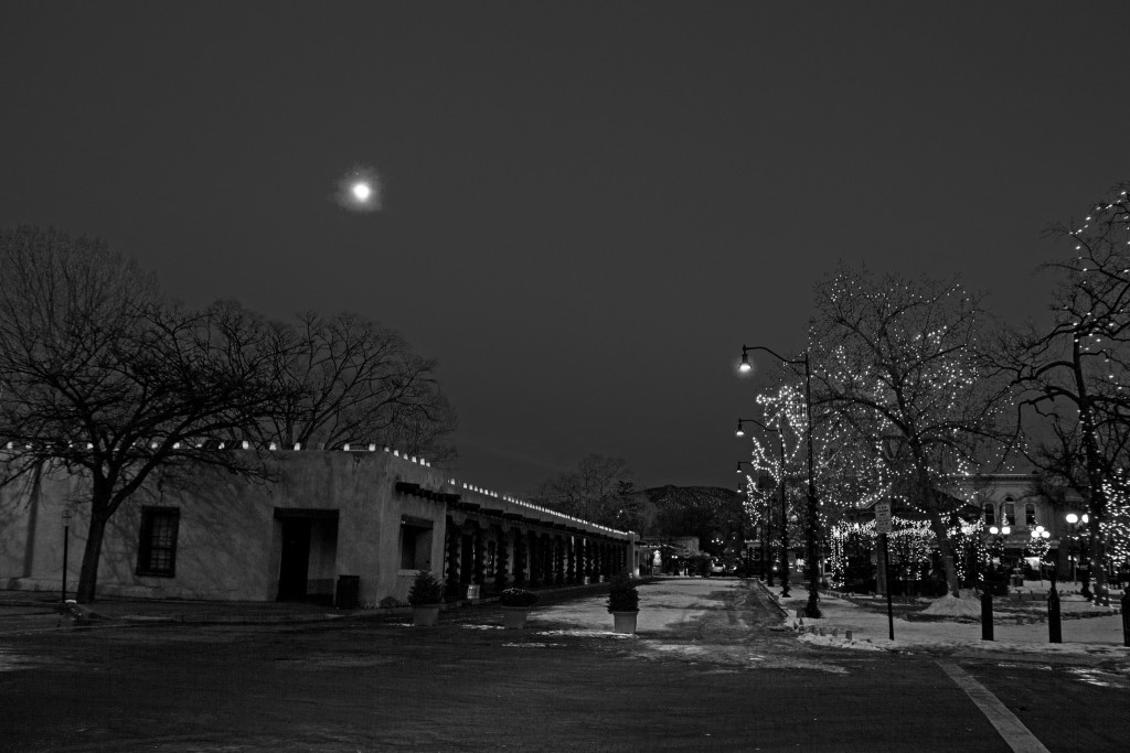 Image taken by: Laveen Photography. A view down Palace Avenue at the Plaza. The Palace of the Govenors is on the left side of the photo.