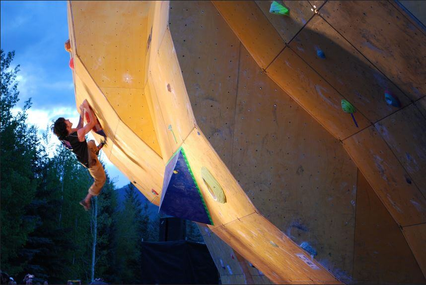 GoPro Mountain Games 2017 bouldering semis evening