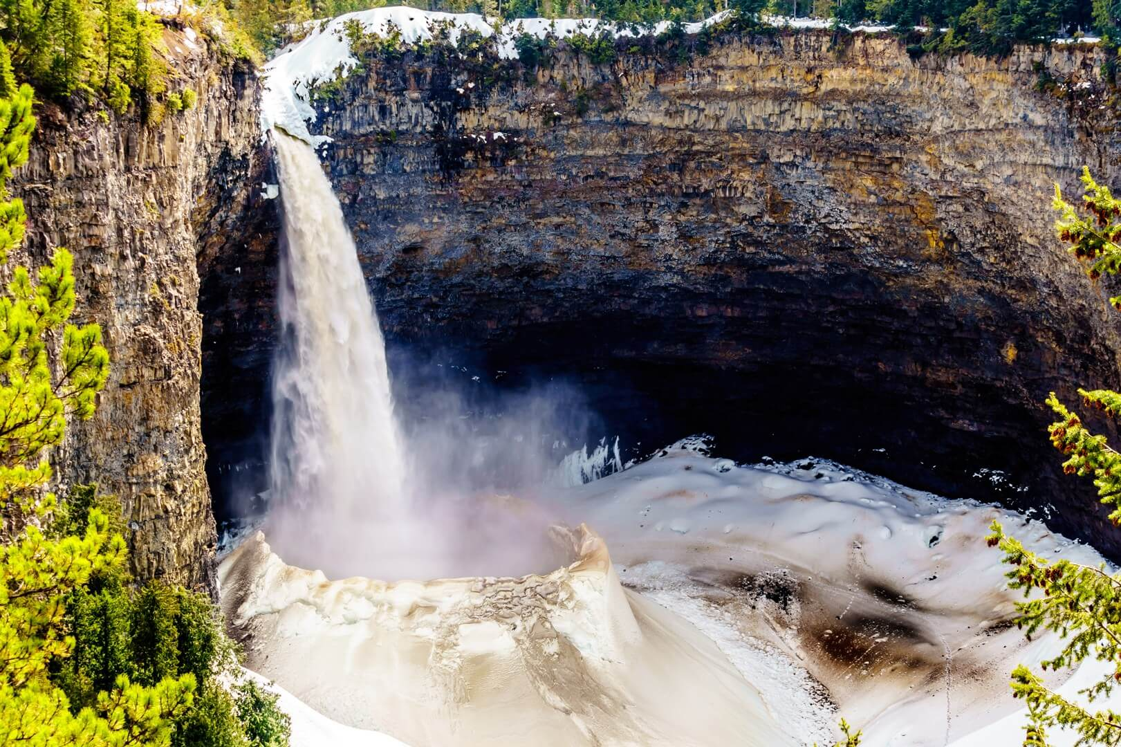 Helmcken Falls in BC Canada is one of the most beautiful waterfalls in the world