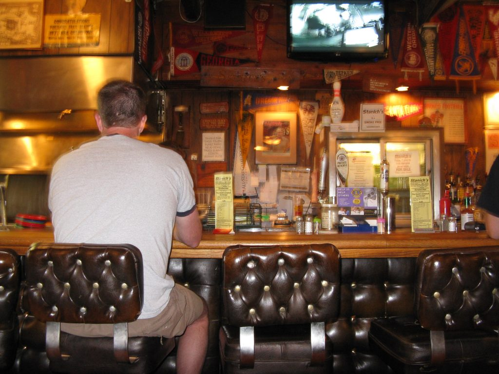 Guide to Mt Hood's Ski Resorts - Bar at Stanich's