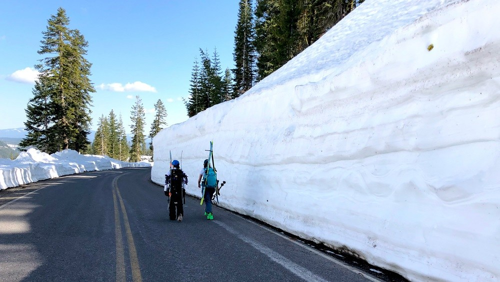 backcountry skiing Lassen National Park May sunny cascade mountains smokin snowboards splitboards