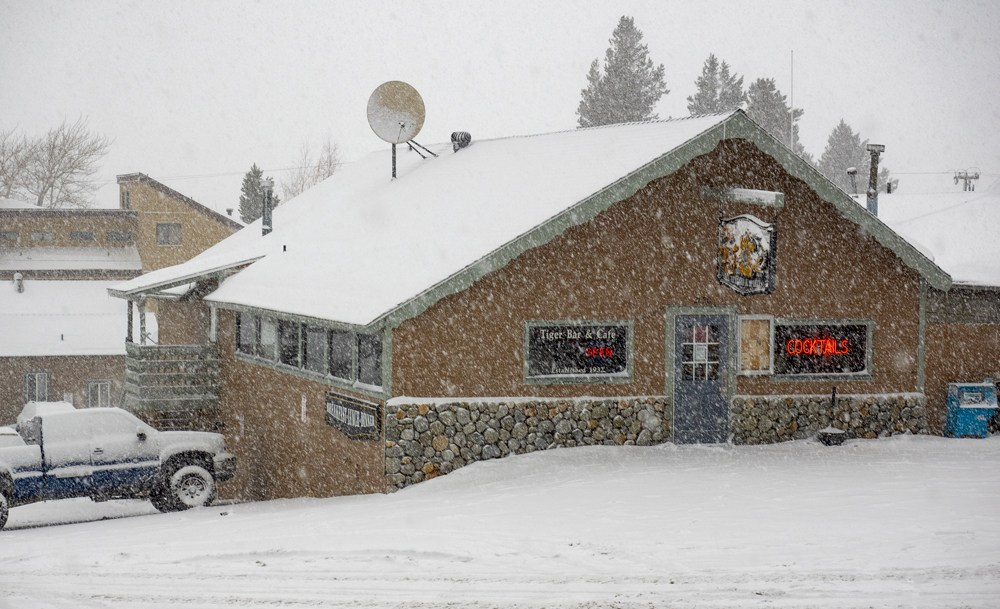 June Lake June Mountain Tiger Bar & Cafe Oldest Liquor License In California