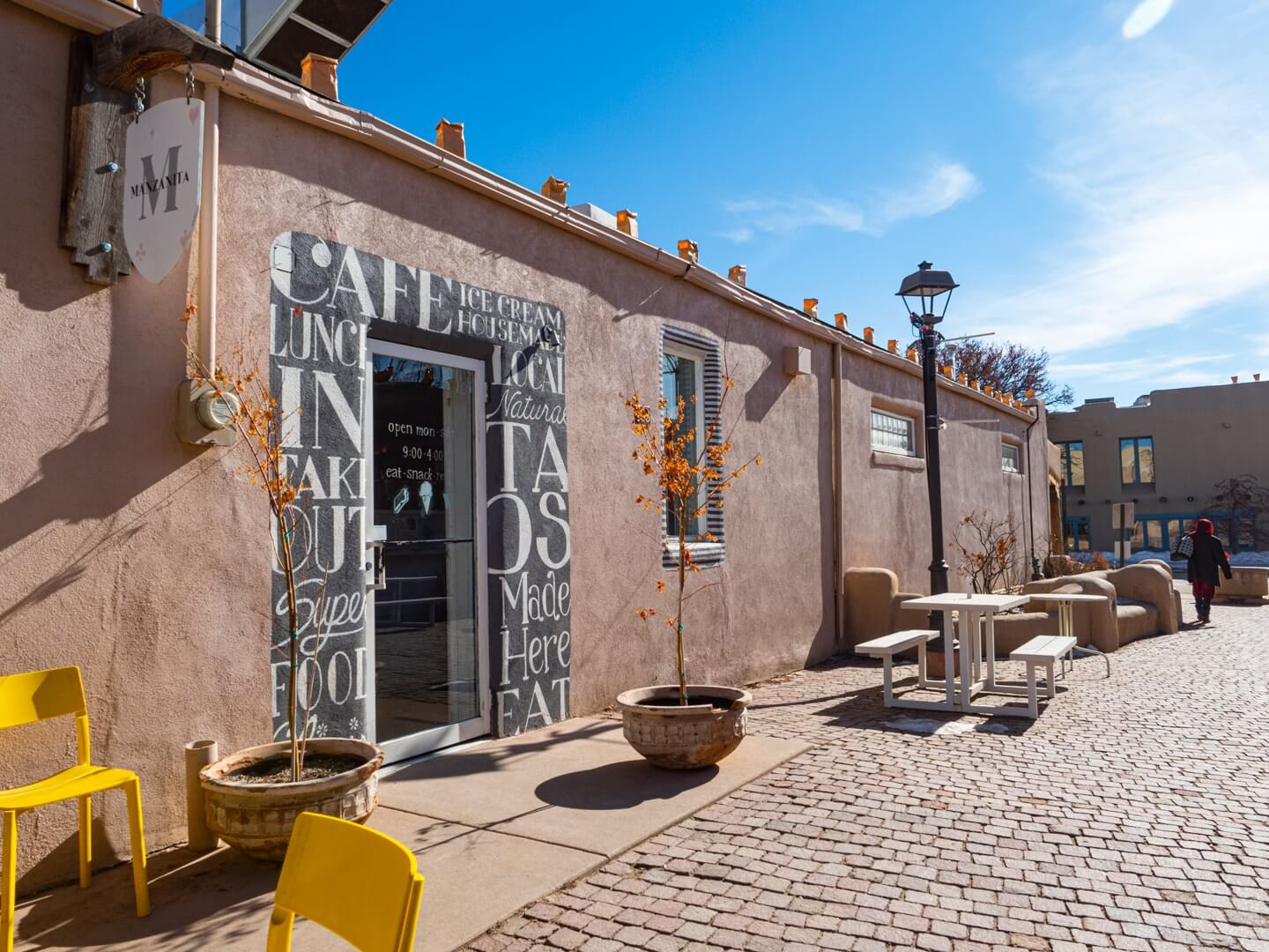 things to do in Taos NM back alley off of Taos Plaza