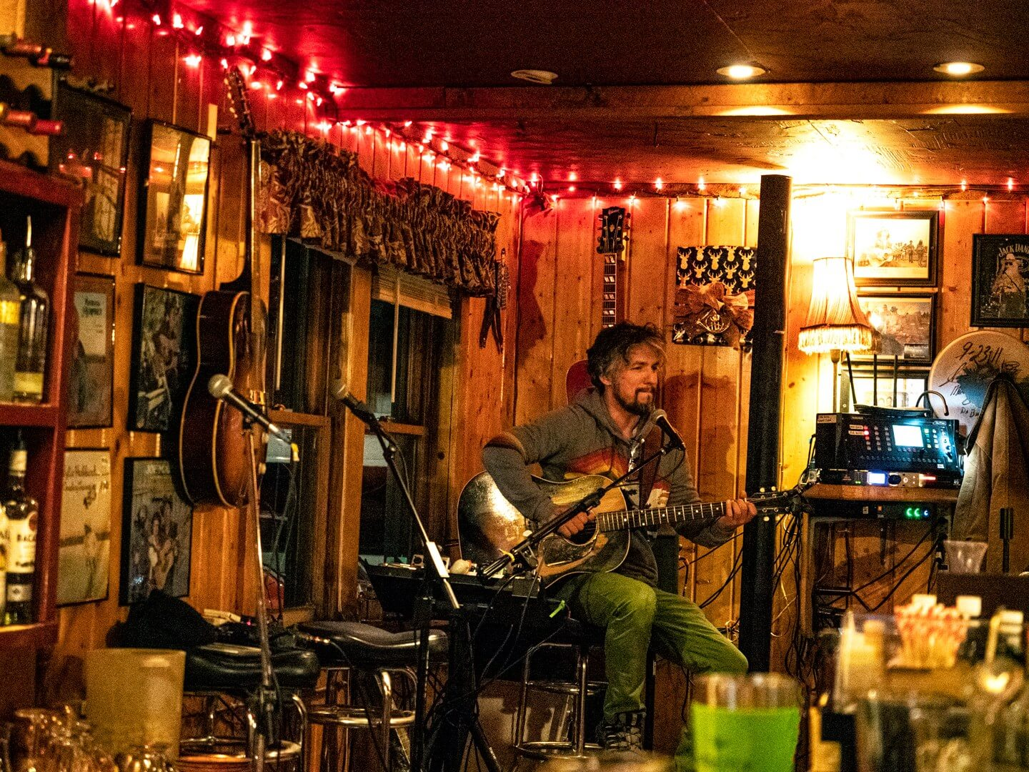 live music at Texas Red's in Red River New Mexico