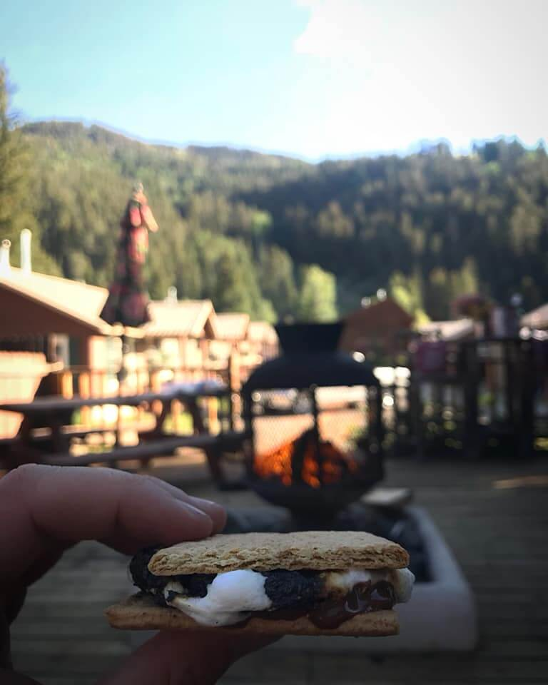 hotels in Red River NM s'mores at Three Bears Lodge